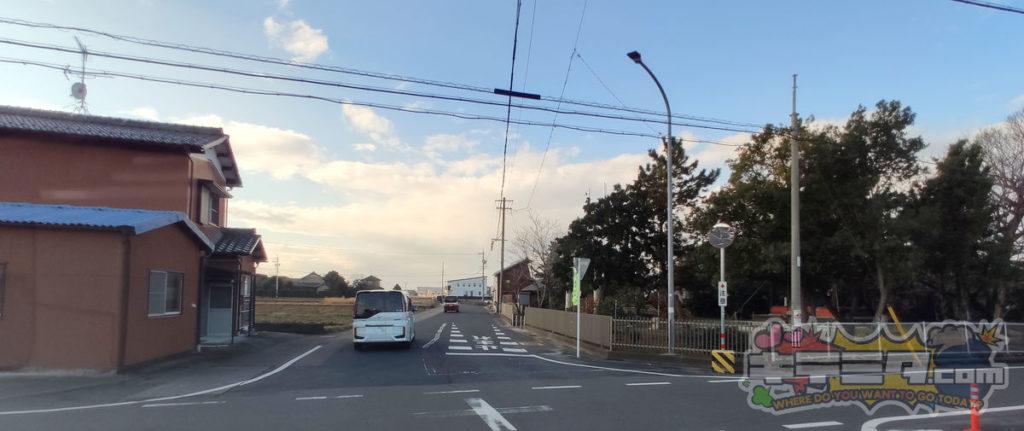 コストコ岐阜羽島倉庫店への最速ルートは神社のヨコを通る。